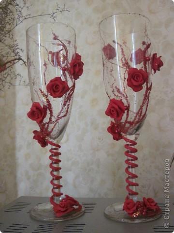 розы в красном фото 1