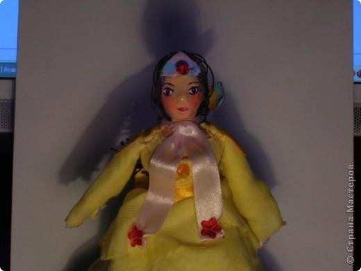 Куклами увлекаюсь недавно, но уже очень серьезно =)) Пока торс и лицо делала из папье маше, но это долго, хочу попробовать облеплять пластилин холодным фарфором, но пока не наловчилась как следует)) фото 3