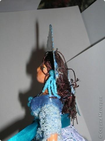 Куклами увлекаюсь недавно, но уже очень серьезно =)) Пока торс и лицо делала из папье маше, но это долго, хочу попробовать облеплять пластилин холодным фарфором, но пока не наловчилась как следует)) фото 5