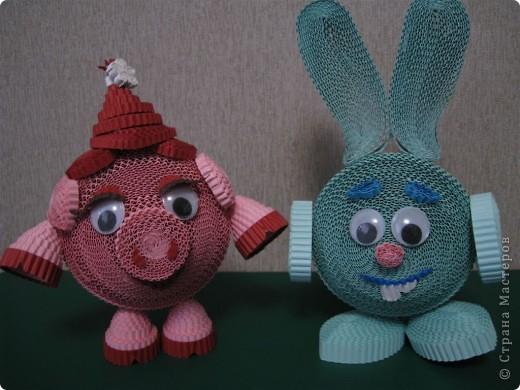 Эти цветочки  и ракета были выполнены по МК Ларисочке http://stranamasterov.ru/user/4056, за что ей большое спасибо. Цветочки крутила дочка (5 лет) , поэтому мы лепестки сделали из целой полоски, чтобы ей было попроще. Сборка была выполнена мной.  фото 8