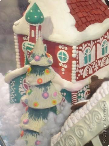 7 января этого года, мы с мужем ездили на Красную площадь посмотреть небольшую композицию из ледяных скульптур, расположенную около храма Василия Блаженного. Но о ней будет отдельный  репортаж!Вот здесь http://stranamasterov.ru/node/144514 После посещения выставки скульптур - решили заглянуть в ГУМ, к Новому году, там всегда было какое-нибудь интересное  оформление. Можно было почерпнуть кой-какие идеи.... фото 19