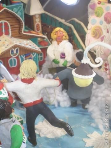 7 января этого года, мы с мужем ездили на Красную площадь посмотреть небольшую композицию из ледяных скульптур, расположенную около храма Василия Блаженного. Но о ней будет отдельный  репортаж!Вот здесь http://stranamasterov.ru/node/144514 После посещения выставки скульптур - решили заглянуть в ГУМ, к Новому году, там всегда было какое-нибудь интересное  оформление. Можно было почерпнуть кой-какие идеи.... фото 20