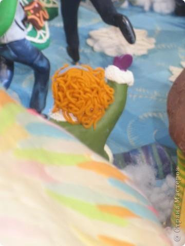 7 января этого года, мы с мужем ездили на Красную площадь посмотреть небольшую композицию из ледяных скульптур, расположенную около храма Василия Блаженного. Но о ней будет отдельный  репортаж!Вот здесь http://stranamasterov.ru/node/144514 После посещения выставки скульптур - решили заглянуть в ГУМ, к Новому году, там всегда было какое-нибудь интересное  оформление. Можно было почерпнуть кой-какие идеи.... фото 24