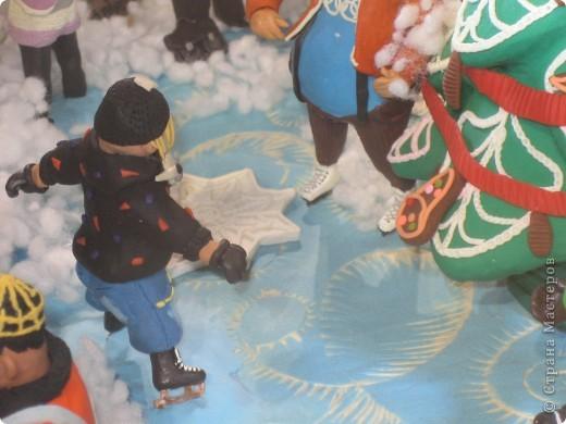 7 января этого года, мы с мужем ездили на Красную площадь посмотреть небольшую композицию из ледяных скульптур, расположенную около храма Василия Блаженного. Но о ней будет отдельный  репортаж!Вот здесь http://stranamasterov.ru/node/144514 После посещения выставки скульптур - решили заглянуть в ГУМ, к Новому году, там всегда было какое-нибудь интересное  оформление. Можно было почерпнуть кой-какие идеи.... фото 30