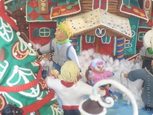7 января этого года, мы с мужем ездили на Красную площадь посмотреть небольшую композицию из ледяных скульптур, расположенную около храма Василия Блаженного. Но о ней будет отдельный  репортаж!Вот здесь http://stranamasterov.ru/node/144514 После посещения выставки скульптур - решили заглянуть в ГУМ, к Новому году, там всегда было какое-нибудь интересное  оформление. Можно было почерпнуть кой-какие идеи.... фото 32