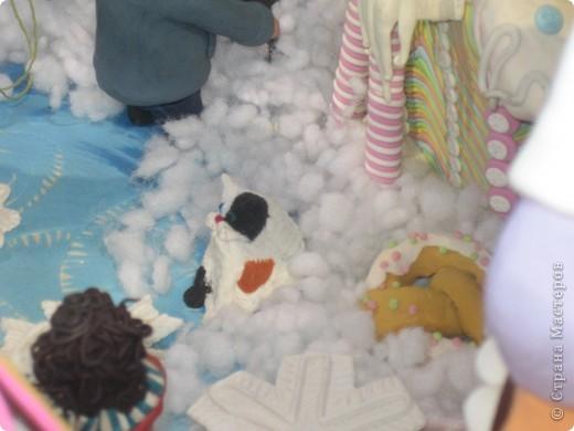 7 января этого года, мы с мужем ездили на Красную площадь посмотреть небольшую композицию из ледяных скульптур, расположенную около храма Василия Блаженного. Но о ней будет отдельный  репортаж!Вот здесь http://stranamasterov.ru/node/144514 После посещения выставки скульптур - решили заглянуть в ГУМ, к Новому году, там всегда было какое-нибудь интересное  оформление. Можно было почерпнуть кой-какие идеи.... фото 33