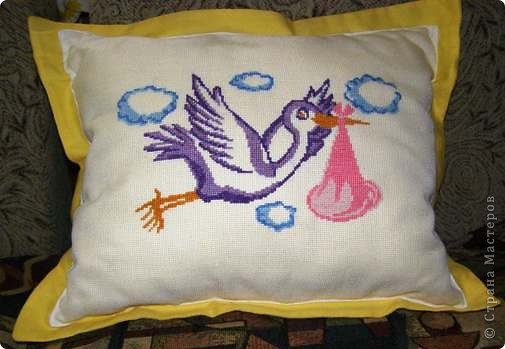 Такую подушечку подарила будущей свекрови на юбилей - типа вот какие мы белые и пушистые :) фото 5