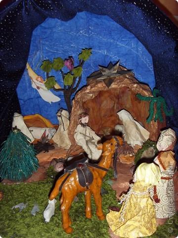 Приближается волшебная рождественская пора. Ожидание чудесной елки, исполнения желаний, ощущение особого, неповторимого праздника. И конкурс. Долго я дума, что мне сделать. Тема очень щепетильная. Надо было все выдержать в традициях. Жюри конкурса были из благочинии.   фото 15