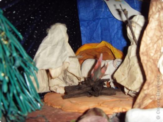Приближается волшебная рождественская пора. Ожидание чудесной елки, исполнения желаний, ощущение особого, неповторимого праздника. И конкурс. Долго я дума, что мне сделать. Тема очень щепетильная. Надо было все выдержать в традициях. Жюри конкурса были из благочинии.   фото 13