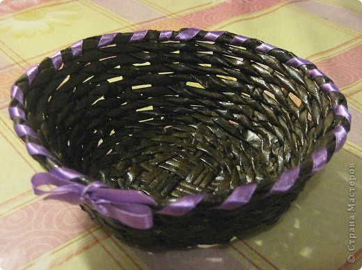 Плетёная конфетница
