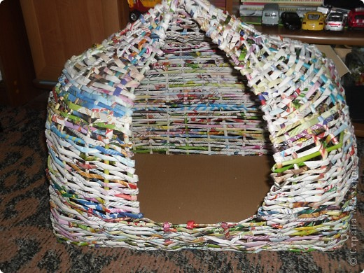 Задумывалось сделать домик для кота)))но т.к я еще плету недавно опыта нет...получилось,что-то похожее на юрту)) фото 1