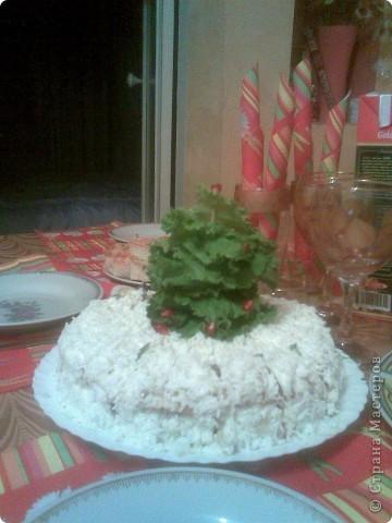 Предлагаю идеи для украшения праздничных блюд Сирень из окрашенного свекольным соком белка фото 3