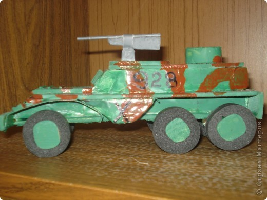 """моя машина """"БТР-152"""" . У неё боевая окраска и пулемёт фото 1"""