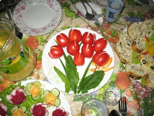 Предлагаю идеи для украшения праздничных блюд Сирень из окрашенного свекольным соком белка фото 4