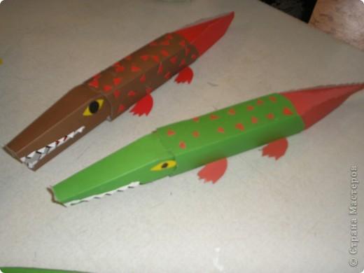 Нашла крокодила в большой энциклопедии поделок,которую скачала с инета.Вот шаблоны : фото 1