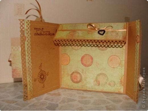 В ожидании обещанного диска решила все-таки сделать коробочку для мужа! Зная его пристрастие к рыбалке и вспомнив про новогодний подарок (ящик для зимней рыбалки) оформила коробочку вот так: фото 2