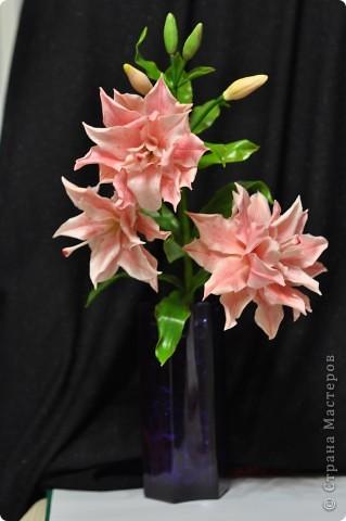 Сделала вторую лилию из того же самодельного фарфора. Планирую букет из трёх разных сортов лилий ( эта махровая лилия). фото 1