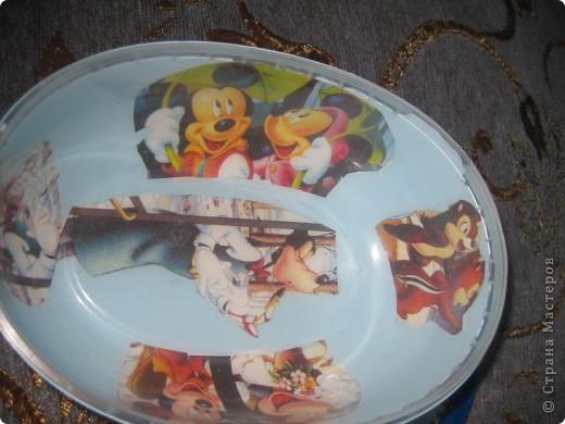 Так отдекорировала коробушки от мороженого. Чтоб я еще хоть раз взялась за такую работу!на этот прозрачный пластик не только краска не хотела ни в какую ложиться, салфетка то приклеилась с третьего раза. фото 4