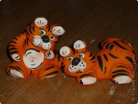 Казалось, вот только лепила сувениры к году Тигра... фото 3