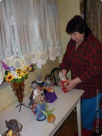 Все мое творчество началось с мамы...Сколько себя помню, она всегда что-нибудь мастерит: шьет, лепит, а какие у нее пирожки....Не верится, что ей скоро 70..Представляю вам ее работы фото 23