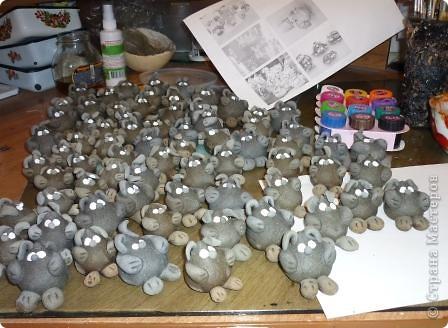 Казалось, вот только лепила сувениры к году Тигра... фото 11