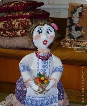 Кукла внучке в садик, сшита по принципу грелки на чайник фото 1