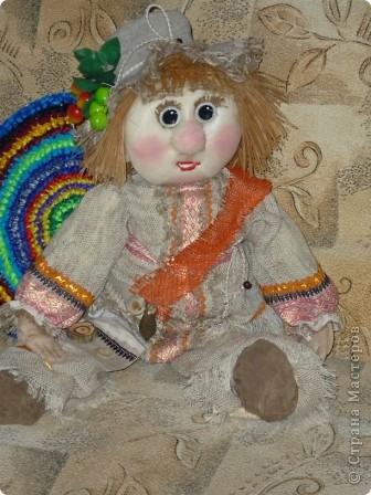 Кукла внучке в садик, сшита по принципу грелки на чайник фото 2