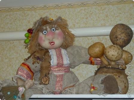 Кукла внучке в садик, сшита по принципу грелки на чайник фото 3