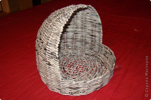Корзинка плетеная из газеты