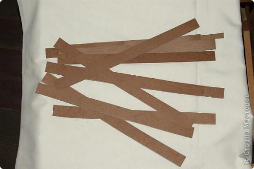Корзинка  с поделками.Бабочки и божья коровка сделаны из салфеток для мебели.Крылышки украсила наклейками в виде сердца. фото 3