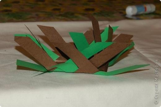 Корзинка  с поделками.Бабочки и божья коровка сделаны из салфеток для мебели.Крылышки украсила наклейками в виде сердца. фото 8