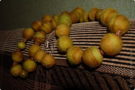 Валяные бусы и серьги. фото 1