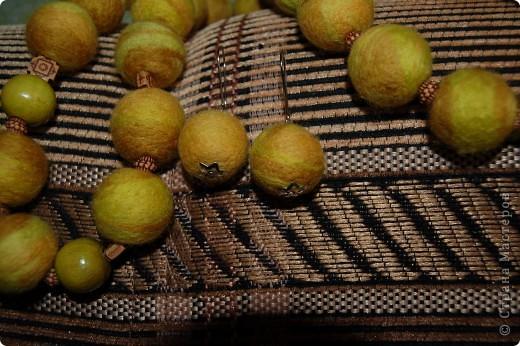 Валяные бусы и серьги. фото 2
