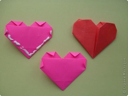 Вот и мы в нашей школе начали подготовку к предстоящему празднику. Такие сердечки с букетиками можно подарить в Валентинов день. Сердечки сделаны по МК Elena.ost http://stranamasterov.ru/node/142138?tid=451,1344  фото 2