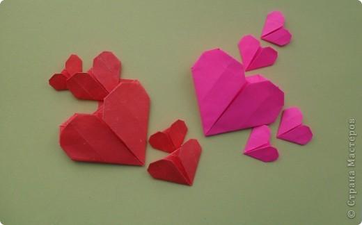Вот и мы в нашей школе начали подготовку к предстоящему празднику. Такие сердечки с букетиками можно подарить в Валентинов день. Сердечки сделаны по МК Elena.ost http://stranamasterov.ru/node/142138?tid=451,1344  фото 5