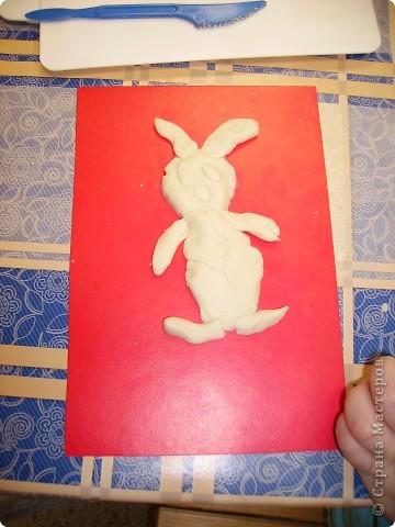 Мы не отстаем от любителей зайчиков и лепим их с удовольствием. Это Маша со своим зайцем. фото 7