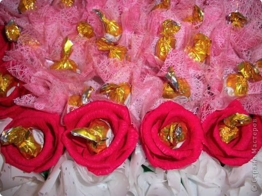 Дорогие мастерицы Страны! От чистого и большого сердца поздравляю Вас с праздником - Днем всех влюбленных!!! Желаю всем побольше творческих идей и побольше времени для их воплощения!  фото 4