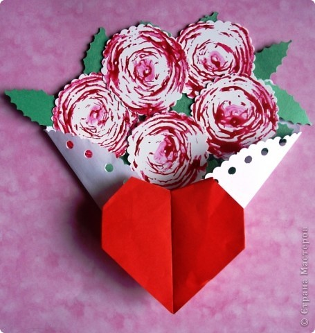 букет роз и валентинка