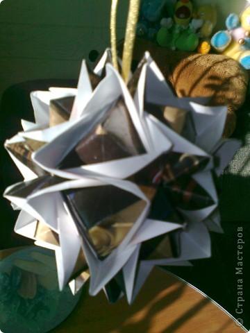 Сделана из шоколадных оберток  фото 2