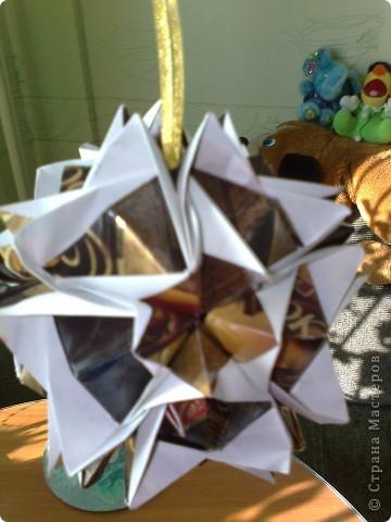 Сделана из шоколадных оберток  фото 3