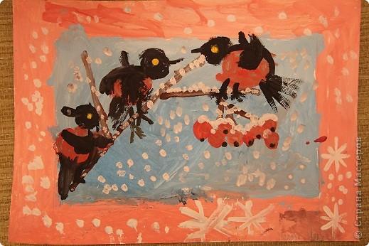 Наши январские произведения на уроках рисования. Снегири на ветке.   фото 1