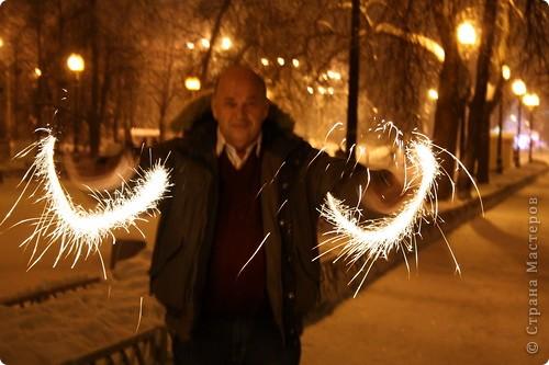 Да, Новый Год прошёл, но у меня с этими пробными экзаменами и т.д.  совсем не было времени:( А рассказать про то как у нас прошёл праздник очень хочется. Но, ведь, лучше поздно, чем никогда:) И так, начинаем небольшую экскурсию к нам домой:)  31 декабря, в 21.30 мы вышли на улицу. фото 17