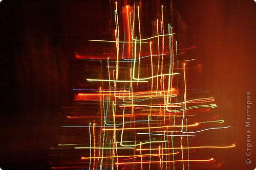 """Хочу показать что может получится в темноте с помощью фотоаппарата:) Жалко, нет типа работы """"эксперимент"""".  Это всё ёлочка: фото 8"""