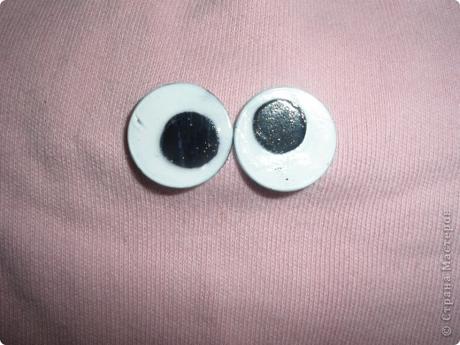 Вот и мои глазки! Каждый пусть выберет вариант по душе! Вариант 1* основа - канцелярские кнопки. Их красим белым лаком. фото 8