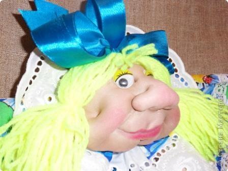 Моя Марусечка -  красавица! Шикарный подарок к празднику 8 марта! На удачу, на счастье! Можно сделать подвеску, вообще хорошо сидит на ножках. Мне понравились куклы Оли О http://stranamasterov.ru/node/122333 Все делала по МК pawy Спасибо мастерицам! фото 5