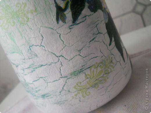 Всем хорошего настроения, настроя и вдохновения! Вот попробовала сделать из бутылки вазочку для цветочков (горлышко узкое, но для 1 цветка или небольшого букетика думаю в самый раз.) Букетик из салфетки + подрисовка фото 5