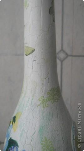 Всем хорошего настроения, настроя и вдохновения! Вот попробовала сделать из бутылки вазочку для цветочков (горлышко узкое, но для 1 цветка или небольшого букетика думаю в самый раз.) Букетик из салфетки + подрисовка фото 3