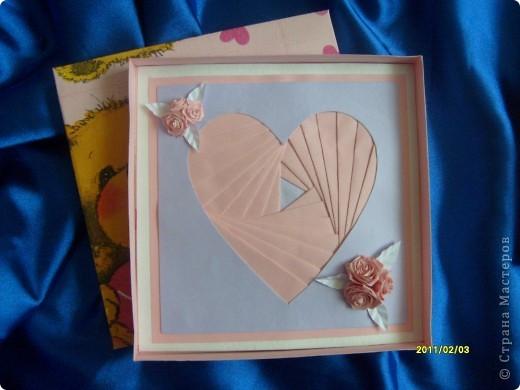 Вот такие вот открытки я сделала в подарок своим двум подружкам. Живут они далеко, поэтому упаковала открыточки в коробочки и отправила по почте. фото 4