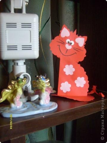 Вот такие вот открытки я сделала в подарок своим двум подружкам. Живут они далеко, поэтому упаковала открыточки в коробочки и отправила по почте. фото 8