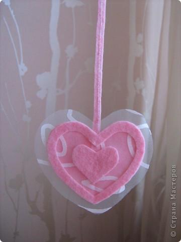 Посетило вдохновение и... вот такое сердечко получилось за 10-15 минут.  Хочу украсить комнату своей доченьки множеством таких (или подобных) сердечек. Она их обожает. :)) фото 1